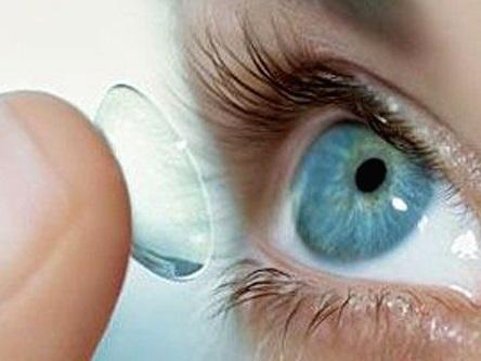 Установка линз в глаза